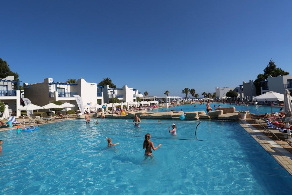 http://www.budavartours.hu/binaries//content/gallery/budavar/locations/accomodations/Ciprus/Ayia+Napa/Callisto+Holiday+Village/ht7a1779.jpg