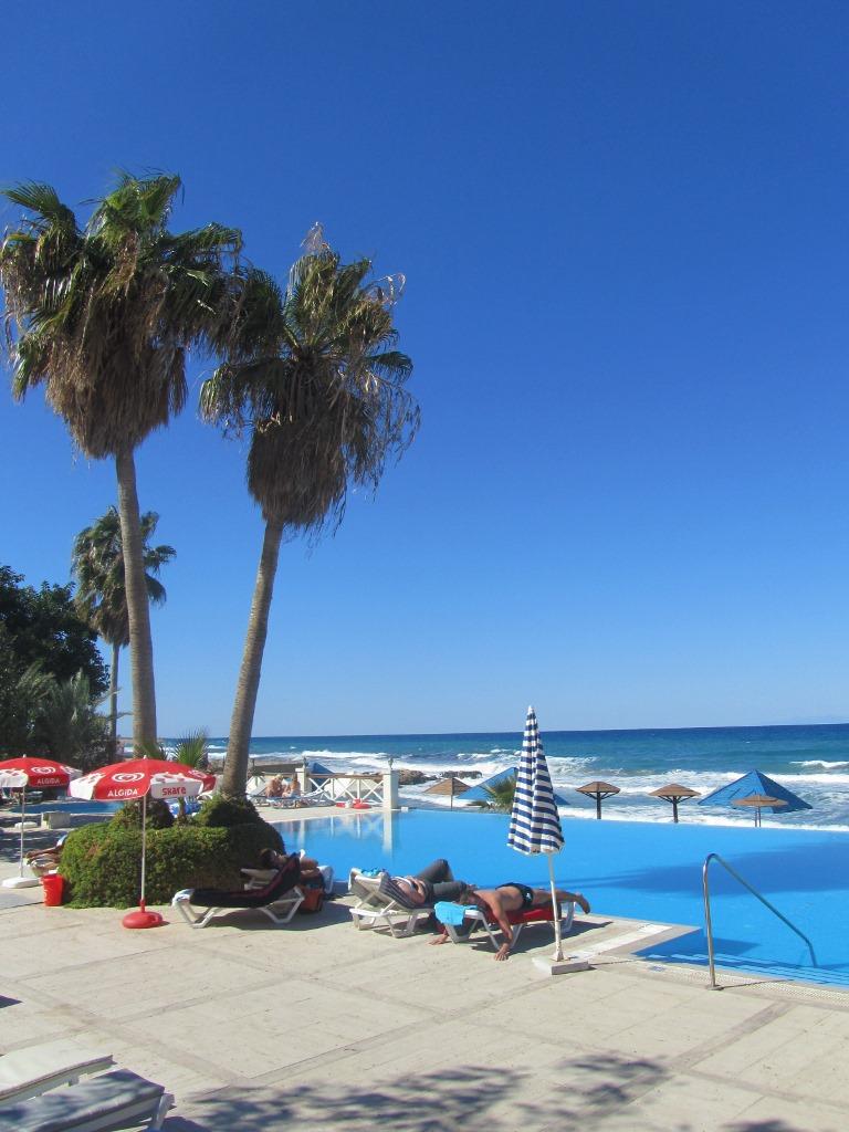 http://www.budavartours.hu/binaries//content/gallery/budavar/locations/accomodations/Ciprus/Kyrenia/L.A.+Beach+Resort/2013-oktober-083.jpg