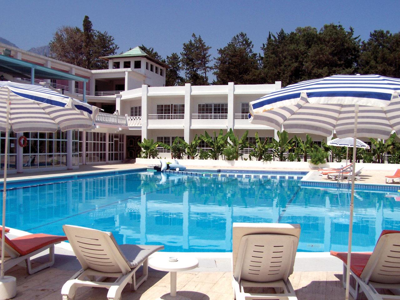 http://www.budavartours.hu/binaries//content/gallery/budavar/locations/accomodations/Ciprus/Kyrenia/L.A.+Beach+Resort/hotel_20130930220049.jpg