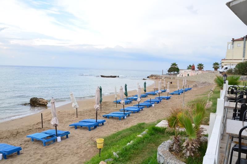 http://www.budavartours.hu/binaries//content/gallery/budavar/locations/accomodations/Ciprus/Kyrenia/L.A.+Beach+Resort/la-hotel-6.jpg