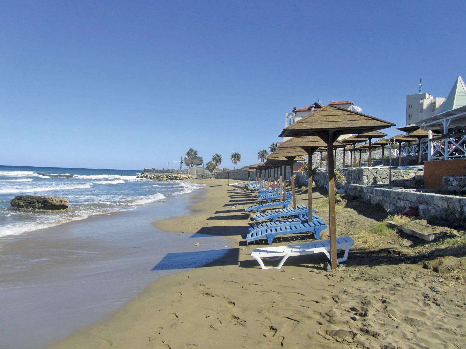 http://www.budavartours.hu/binaries//content/gallery/budavar/locations/accomodations/Ciprus/Kyrenia/L.A.+Beach+Resort/la_beach_resort_kyrenia_part.jpg