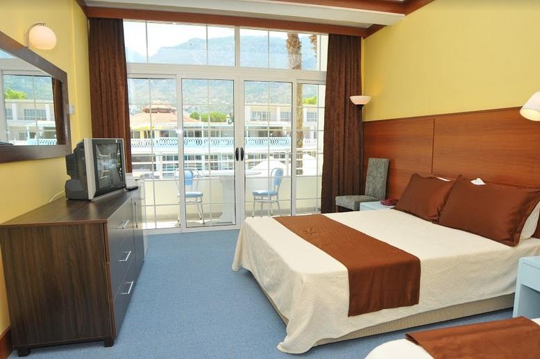 http://www.budavartours.hu/binaries//content/gallery/budavar/locations/accomodations/Ciprus/Kyrenia/L.A.+Beach+Resort/szoba-minta.jpg