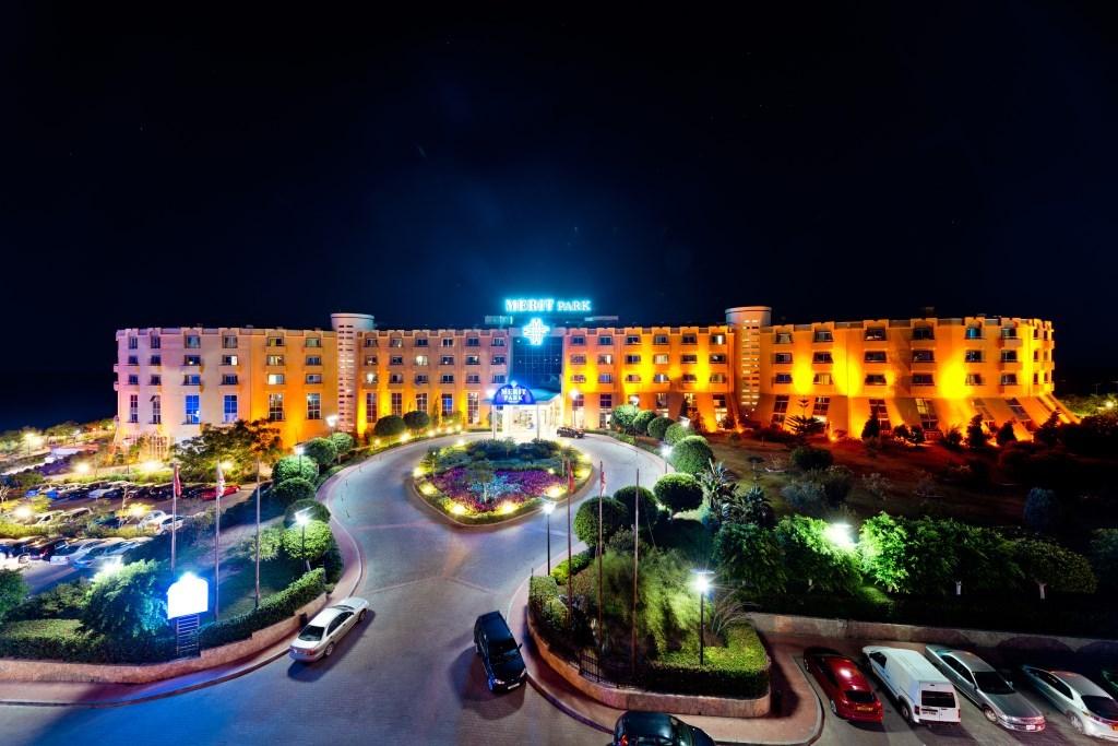 http://www.budavartours.hu/binaries//content/gallery/budavar/locations/accomodations/Ciprus/Kyrenia/Merit+Park+Hotel+%26+Casino/merit-park-hotel-casino-18.jpg