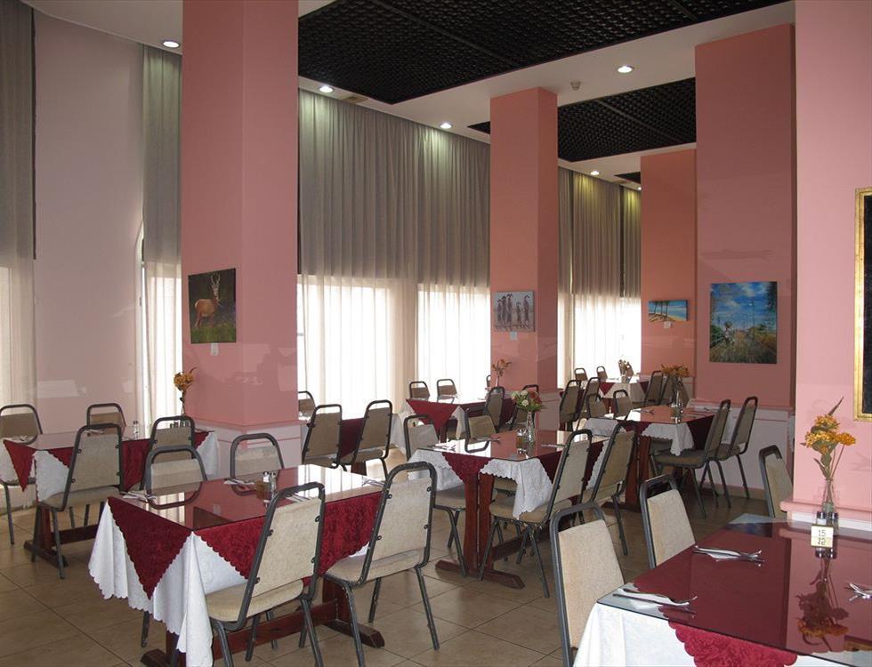 http://www.budavartours.hu/binaries//content/gallery/budavar/locations/accomodations/Ciprus/Larnaca/Flamingo+Beach+Hotel/flamingo-beach-hotel-hotel-restaurant-larnaca-cy_z.jpg