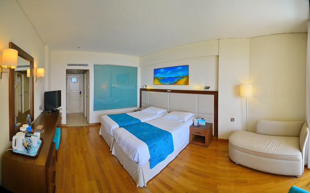 Ciprus - Dél-Ciprusi üdülés 2019. Golden Bay Beach Hotel*****