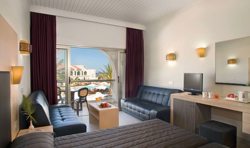 http://www.budavartours.hu/binaries//content/gallery/budavar/locations/accomodations/Ciprus/Larnaca/Princess+Beach+Hotel/princ-beach-h-6.jpg