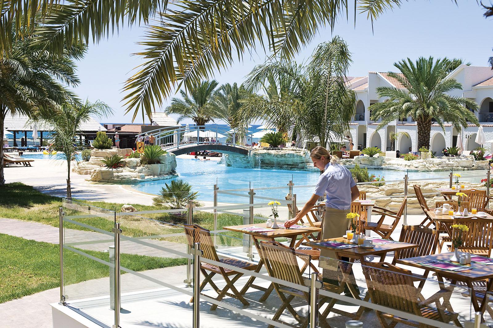 http://www.budavartours.hu/binaries//content/gallery/budavar/locations/accomodations/Ciprus/Larnaca/Princess+Beach+Hotel/princess_beach_hotel_larnaca_2.jpg