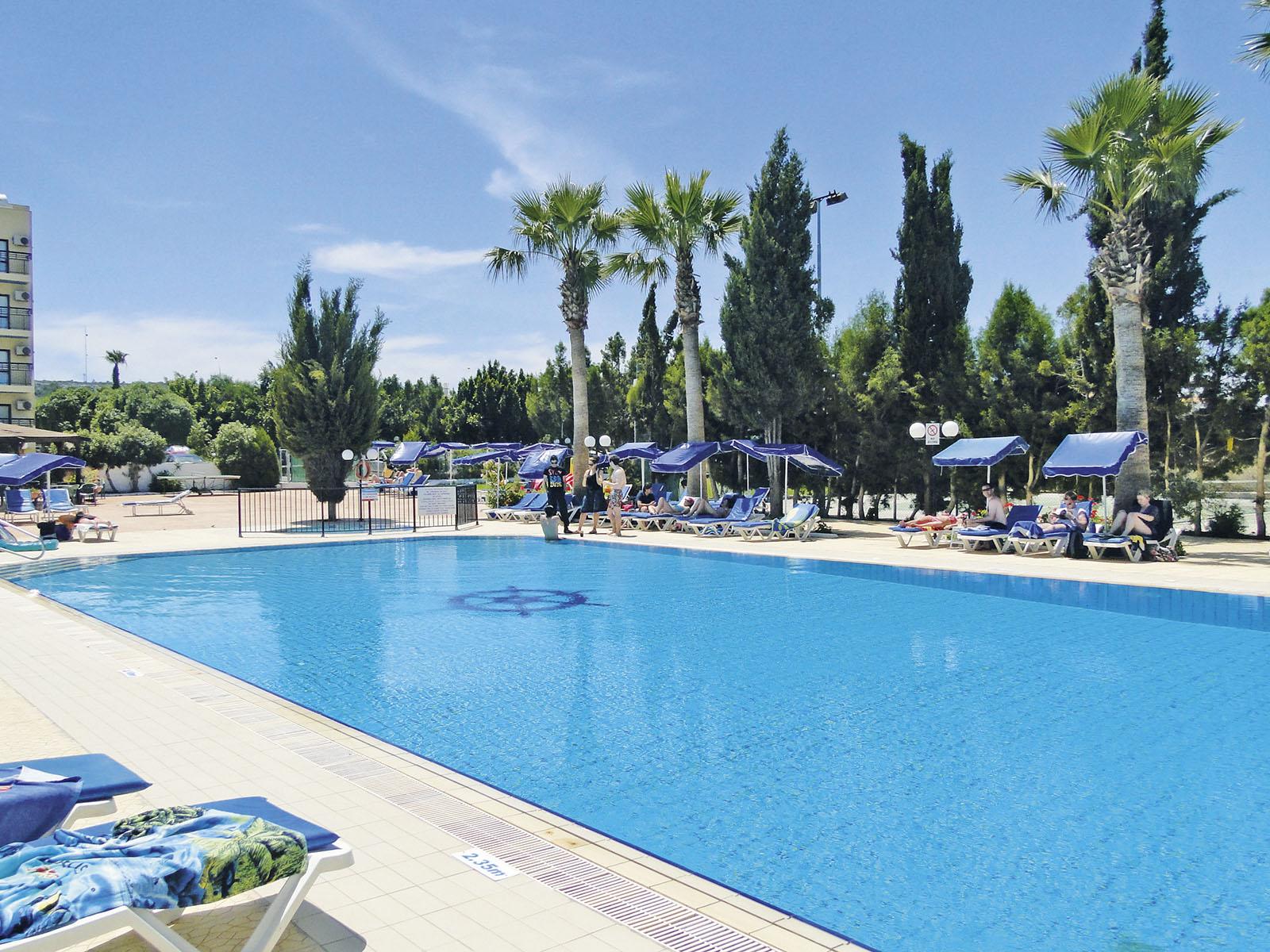 http://www.budavartours.hu/binaries//content/gallery/budavar/locations/accomodations/Ciprus/Protaras/Kapetanios+Bay+Hotel/kapetanios_beach_hotel_protaras_3.jpg