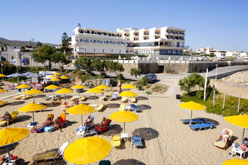 http://www.budavartours.hu/binaries//content/gallery/budavar/locations/accomodations/G%C3%B6r%C3%B6gorsz%C3%A1g/Kokkini+Hani/themis-beach-hotel-4-csillag/themis-beach-hotel-beach.jpg