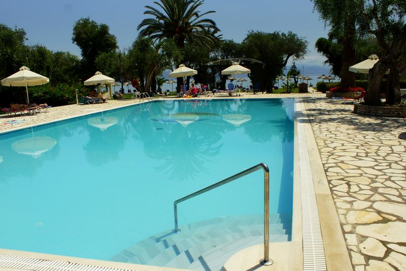 http://www.budavartours.hu/binaries//content/gallery/budavar/locations/accomodations/G%C3%B6r%C3%B6gorsz%C3%A1g/Moraitika/Delfinia+Hotel/dsc07672.jpg