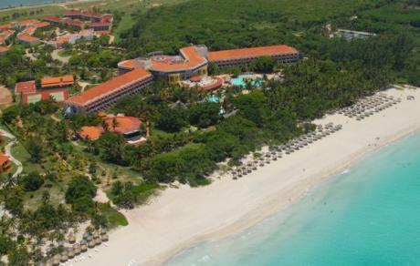 http://www.budavartours.hu/binaries//content/gallery/budavar/locations/accomodations/Kuba/Varadero/Brisas+del+Caribe+Hotel/brisas-del-caribe-tavoli.jpg