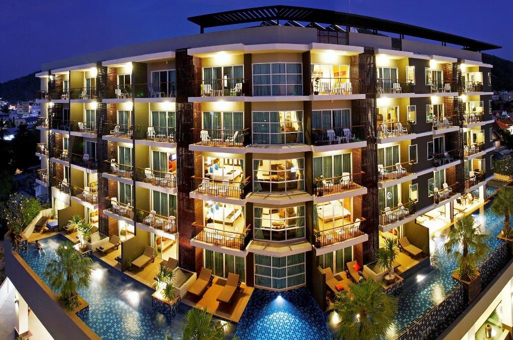 http://www.budavartours.hu/binaries//content/gallery/budavar/locations/accomodations/Thaif%C3%B6ld/Phuket/Andakira/01.jpg