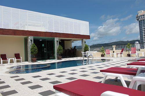 http://www.budavartours.hu/binaries//content/gallery/budavar/locations/accomodations/Thaif%C3%B6ld/Phuket/Patong+Hemingways/patong-hemingways.jpg
