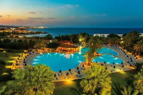 http://www.budavartours.hu/binaries//content/gallery/budavar/locations/accomodations/gorogorszag/kalithea/kresten-palace-hotel-42a/kresten-palace2.jpg