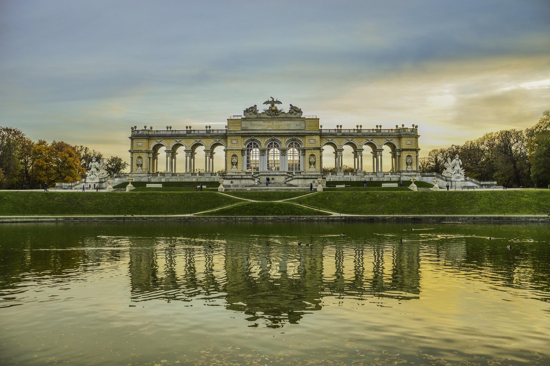 Ausztria - Advent Bécsben és a Schönbrunn-i kasté. Bécs, Szállás nélkül