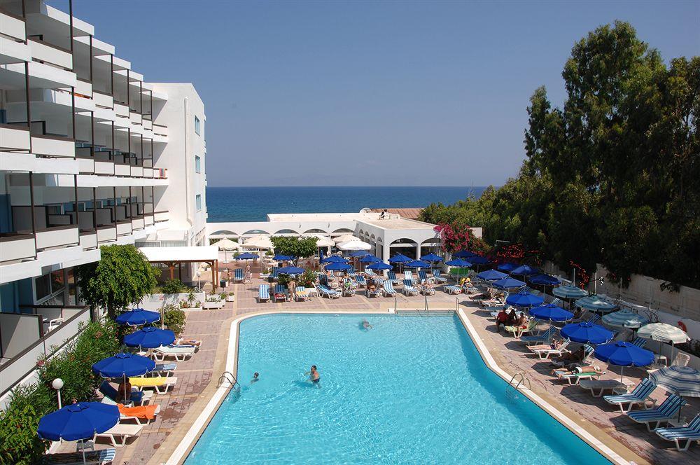 http://www.budavartours.hu/binaries//content/gallery/budavar/programs/programscheme/G%C3%B6r%C3%B6gorsz%C3%A1g/Ixia/Belair+Beach+Hotel/epulet.jpg