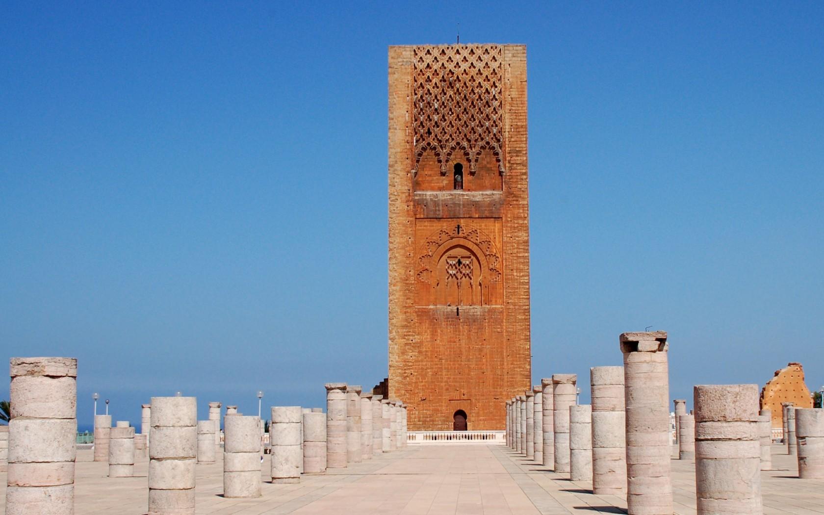 http://www.budavartours.hu/binaries//content/gallery/budavar/programs/programscheme/Marokk%C3%B3/Agadir/marokko-gazdagon-argana-hotel/hassan-tower-rabat-morocco-03-1050x1680.jpg