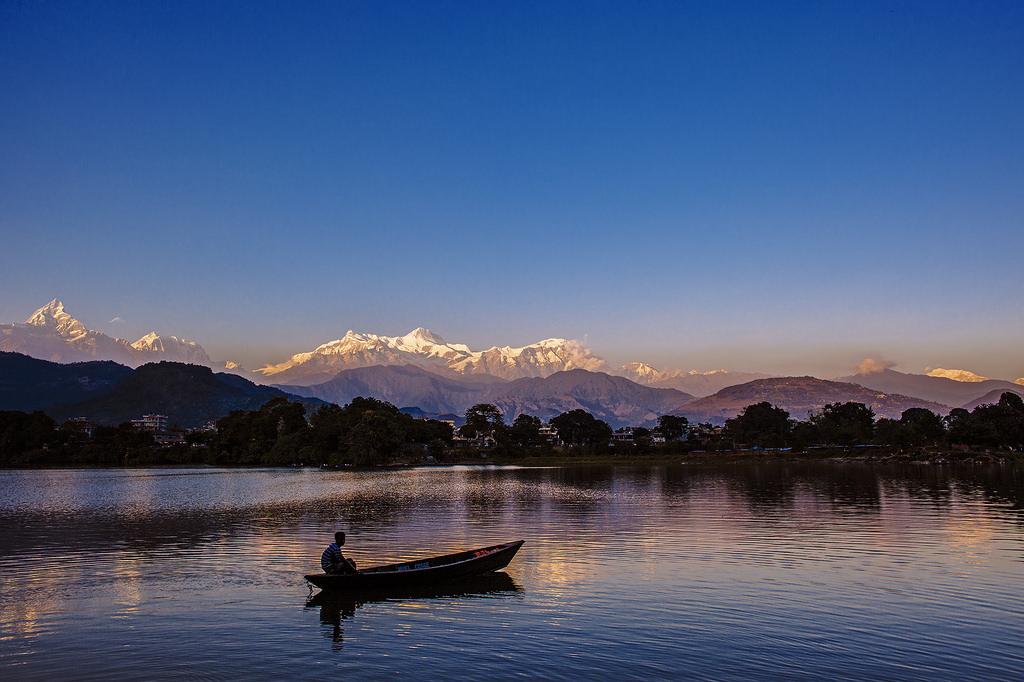 http://www.budavartours.hu/binaries//content/gallery/budavar/programs/programscheme/Nep%C3%A1l/Kathmandu/kirandulas-nepalban/kirandulas-nepalban.jpg