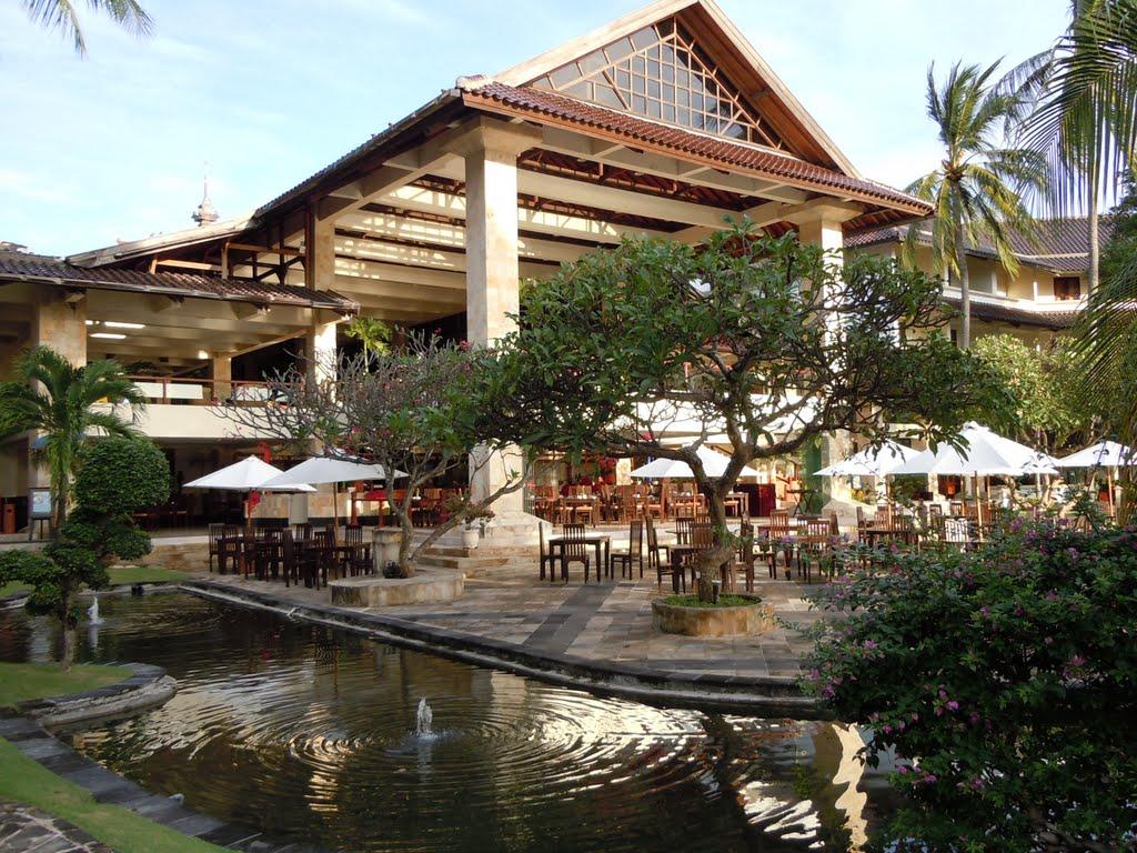 http://www.budavartours.hu/binaries//content/gallery/budavar/programs/programscheme/indonezia/kuta/discovery-kartika-plaza-hotel/discovery-kartika.jpg